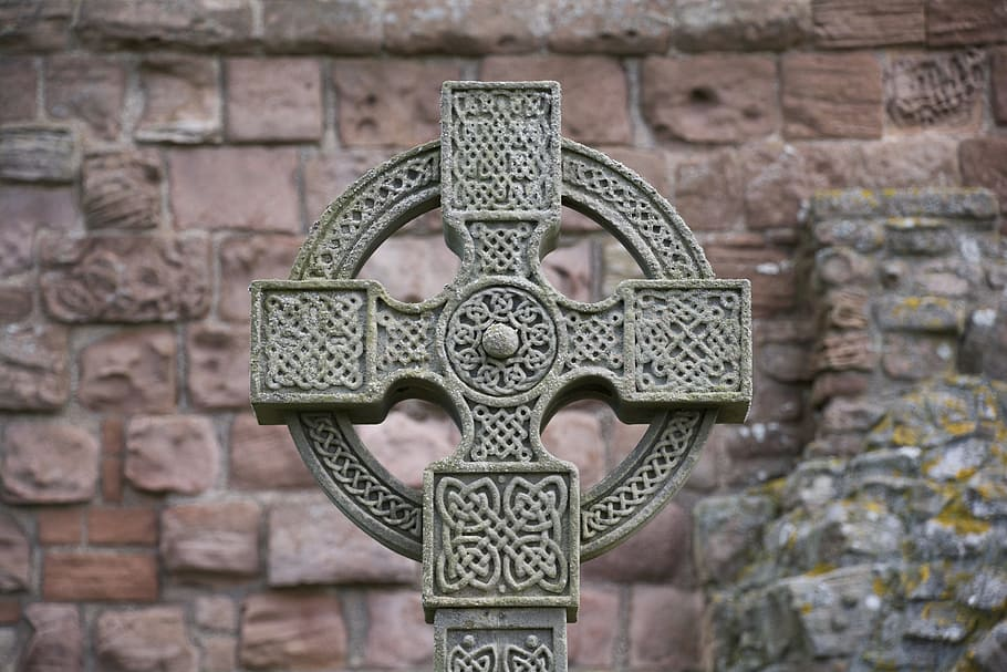 The Celtic Cross – one of the most famous Irish Celtic symbold