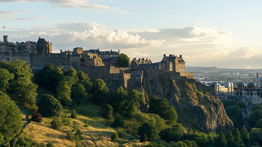 Edinburgh Castle and the Royal Edinburgh Military Tattoo – the quintessential Edinburgh experience.