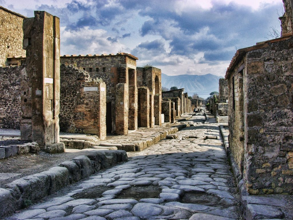 Enjoy the mystical heritage of Pompeii – and cast yourself into the past.